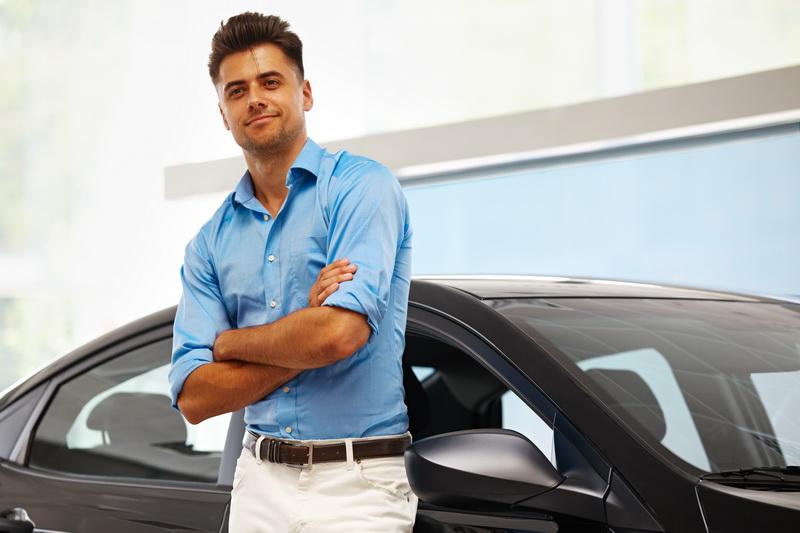 Правила успешного знакомства с девушкой на автомобиле