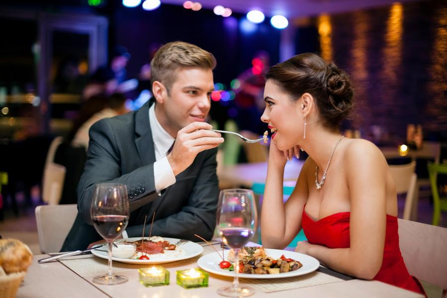 Устрой романтический вечер или поход на выставку